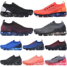 super popular 90b26 00ae9 2019 Hombres Mujeres 2018 2.0 2 Zapatos para correr Platino Negro blanco  Tenis Zapatilla de deporte Entrenador deportivo Desiginer Zapatos  ocasionales 36-45