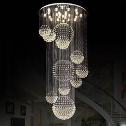 2019 luces de techo gotas de cristal Moderna lámpara de araña de cristal Ligera Gota de lluvia Esfera de cristal Luminaria de techo Lámpara de escalera larga de cristal Escalera al ras Luces montadas rebajas luces de techo gotas de cristal