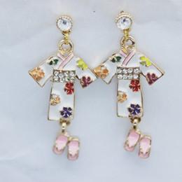 2019 Nuevo Japonés Kimono Chica Zapatillas Pendientes de Esmalte de Cristal Personalidad Joyas de diamantes de Imitación de Moda de Las Mujeres Creativas Regalos de DIY desde fabricantes