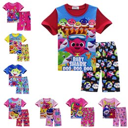f97eb9bd049a9 INS bébé requin vêtements d été ensemble manches courtes T-shirt Tops +  shorts de plage 2 pcs Homewear Cartoon Animal Outfit enfants garçons pyjama  costume ...