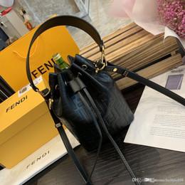 2019 парик глубокой волны средней длины Превосходного качество натуральной кожи моды мешок плеча женщин Tote дизайнеры сумка дальнозоркость хозяйственной сумка кошелек роскошь XXSFENDI сумка