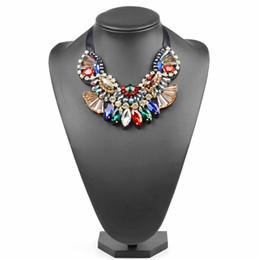 5f7001ac4fef Cristal hecho a mano de moda collar colgante para las mujeres Maxi collar  fiesta joyería del traje Chunky gargantilla collar Multicolor 1 PC bisutería  hecha ...