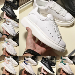 Hauteurs de massage en Ligne-Alexander Mcqueens  2019 Casual Chaussures De Marche Hauteur Confort Confortant Jolie Fille Femmes Sneakers Noir Blanc Poudre Chaussures En Cuir Hommes Sneakers