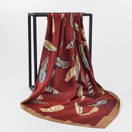 Foulards imprimés en soie chinoise femmes en Ligne-Femmes Foulards Imprimé Plumes D'été De Luxe Marque À La Mode Chinois Soie Longue Écharpe Châle Wrap Nouveau Vin Rouge Cou Tête Écharpe