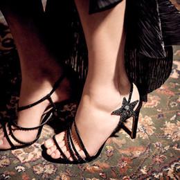 Nackte farbe stiletto sandalen online-Ein Wort mit römischen Sandalen weiblichen Sommer 2019 Sommer neue Luxus Strass Fee Schuhe nude Farbe Stöckelschuhe