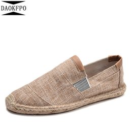 Мужские бездельники онлайн-DAOKFPO New Mens Shoes Casual Male Breathable Canvas Shoes Men Chinese Fashion 2019 Soft Slip On Espadrilles For Men Loafers