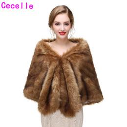 Wholesale New Brown Nupcial Do Inverno Faux Fur Wraps Mulheres Faux Fur Capes Para Festa de Casamento Adulto Inverno Fur Envoltório New Arrival