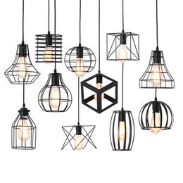 Luzes suspensas da lâmpada on-line-Modernas luzes pingente Arte gaiola de ferro negro minimalista E27 Nordic sótão pirâmide Retro Pendant industrial lâmpada metal Lâmpada de suspensão