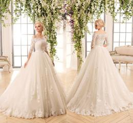 ceintures de mariée en dentelle Promotion Robe de mariée blanche avec épaules dénudées et bouton dos dos demi-manches en dentelle A-ligne Novia de robes de mariée avec ceinture