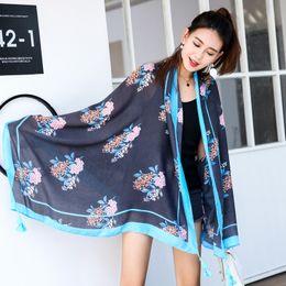 Mantas de lino online-Nueva toalla de estilo étnico Bufanda de algodón y lino resistente al sol Manta de verano chal de playa para mujer Sarong Wrap Tassel Shawl 2019