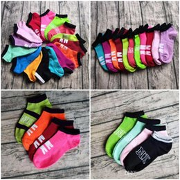 meias femininas meias Desconto Atacado Rosa Meias Pretas Amor Meias Tornozelo Multicolors Cheerleaders Esportes Meias Curtas Meninas Mulheres Algodão Meias Esportivas Rosa Sapatilha de Futebol
