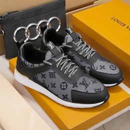Scarpe da uomo Calzature maschili traspiranti Scarpe da ginnastica leggere Scarpe da ginnastica sportive con scatola originale Zapatos de hombre Scarpe casual da uomo da