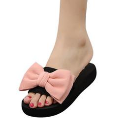 menino modelo garota vestida Desconto Chinelos de Renda Cetim Moda Slides Mulheres Sandálias de Verão Chinelo Linda Sapatos de Praia Rihanna Casuais Flip Flops Na Moda Quente