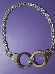 2019 collar de esposas para mujer La policía de plata de la vendimia puede abrir las esposas del encanto de los collares collar llamativo collar pendiente de joyería de la personalidad de las mujeres BFF accesorios collar de esposas para mujer baratos
