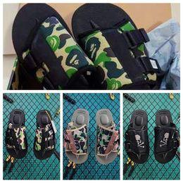 Pantoffelsohlen online-2019 Nylon APES Kopf SUICOKE Tarnfarbe KAW Designer Schuh Goodyear Sohle Slides Sommer Strand Hausschuhe Haus Flip Flops Sandale mit Box