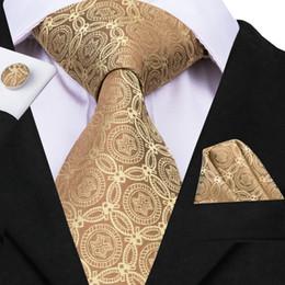 conjunto de lenços cufflinks Desconto HI-TIE Padrão Clássico Amarelo Seda Mens Tie Set Para O Casamento de Negócios Terno Formal Gravata Lenço Abotoaduras Gravata Set N-3086