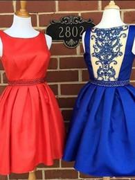 Короткие синие платья из горного хрусталя онлайн-Chic Scoop Атласная Royal Blue Короткие платья выпускного вечера Короткие мини-A-Line красное платье Homecoming Корсет Стразы Бисероплетение платья для продажи