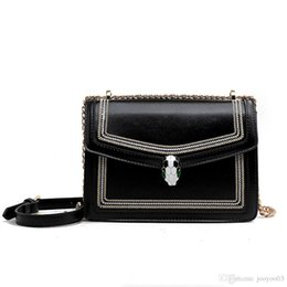 borse di pitone Sconti Retro Organ Python Head Bag Spring New Small Bag Fashion Texture Wild Shoulder Slung Handbag Jooyoo