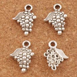 Uva di frutta dei pendenti di fascini 200pcs / lot 18x12.8mm d'argento antichi FindingsComponents monili dei braccialetti di produzione collana Best Friend regalo da