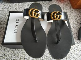 f130bf3f7 China 2019 mulheres designer de sapatos de verão sandálias de couro Nua  macio couro da marinha