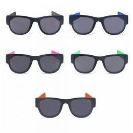 c56285ae7a2 2019 mujeres golpean Fold Shades Pulsera colorida Gafas de sol Bofetada  Espejo polarizado Polarized Fashion Women