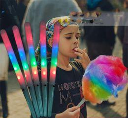 Bastoni di cotone online-Bastone di zucchero filato a LED da 28 cm Luminoso LED lampeggiante Bastoncini di filo interdentale Luci a bagliore Bastone a LED Festa di Natale Giardino Decori Regali per bambini