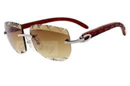 Lentes de cores naturais on-line-Atacado 17 Factory Outlet New cor esculpida lentes, alta qualidade esculpida óculos de sol 8300756 óculos de sol de madeira natural