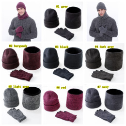 Шляпы шарфы перчатки наборы онлайн-Warm Knitted Hats Scarf Gloves Set Men Women Touch Screen Glove Scarves set Hat Thick Skullies Beanies LJJM2366