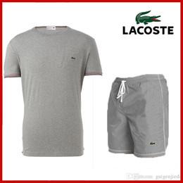 I nuovi Camicie degli uomini di estate 2019 + bicchierini hanno regolato il vestito maschio del vestito da stampa del breve di Homme della camicia di modo ha stampato casuale il nuovo insiemi il trasporto libero da