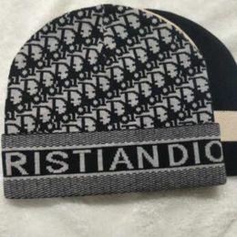 2019 новый sup шляпы канада черный вязаный горячий женский симпатичная зимняя шапка вязаная шапка мяч бусы ручной крючок теплая акриловая женская шляпа высокое качество от