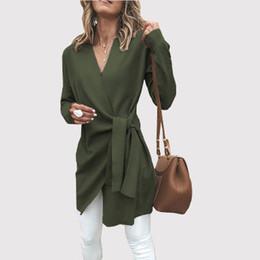 Cinturones pequeños online-Zeehung 2018 otoño de color sólido de lana con cuello en V rompevientos cinturón perezoso simple casual de las mujeres abrigo pequeño