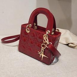 Fabbrica netta online-Borsa all'ingrosso delle donne di marca all'ingrosso della borsa rosso con la piccola borsa quadrata di pelle verniciata della borsa classica di Lingge della borsa della nappa dolce della borsa
