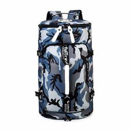 79c94a8ba 2019 Camouflage Gym Bag Homens Esporte Ao Ar Livre Mochila Menina Novo  Estilo de Impressão de Fitness Saco Crossbody Mulheres de Grande Capacidade  de Viagem ...