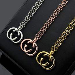 letra g colgante Rebajas Moda de acero al por mayor de joyería de titanio clásico G letra 18 K chapado en oro collar de pareja collar colgante de las mujeres