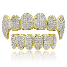 2021 denti oro dentali Hip Hop Grillz Grillz Luxury Glaring Zircon Micro Pavy Dental Grills 2019 Fashion Men Donne 18k placcato oro Placcato Denti Brace 2-Piece Set all'ingrosso LP022