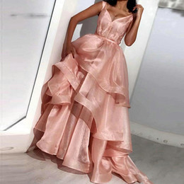 Robes de bal couches organza en Ligne-Sexy V Neck Organza Layers Prom Dress 2019 Long blush pink Evening Gown Simple Design Ruffle Floor Length Party Gown Plus Size