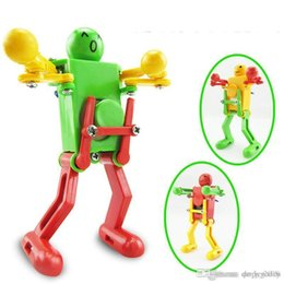 2019 insetos robôs Andando Robôs Dançando Brinquedos 360 graus Clockwork Wind Up Dança Robô de Brinquedo Para O Bebê Crianças Enigma Developmental Presente de Natal Presentes de Ano Novo