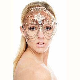 Schneidkette online-Elegante Phantom Rose Gold Hochzeit Maske Frauen Kette Kostüm Venetian Filigrane Metall Laser Cut Cosplay Maskerade Maske