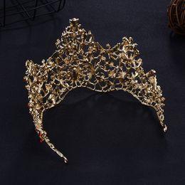 coroa vermelha para a noiva Desconto Coroa De Casamento Vermelho Ouro Real Tiara De Noiva Rainha Da Noiva Coroa E Brinco Pageant Barroco Headband Princesa Ornamento Da Jóia Do Cabelo