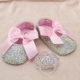 Envelopper les chaussures de bébé en Ligne-Bling bébé tout-petit chaussures diamant incrusté coton doux fond Wrap pied rose arc bande élastique fermé confortable bébé fille chaussures + sucette