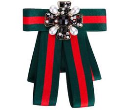 Argentina Rhinestone de lujo Vintage pajarita broche - Womens Mens Ribbon Bow broches novio decoración de la boda traje de accesorios 7810 Suministro