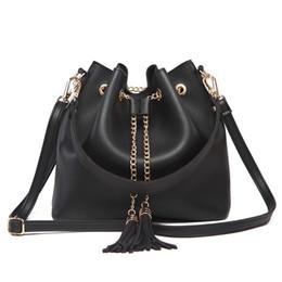 saco de drawstring de couro das senhoras Desconto 2019 Designer Tassel Bucket Bolsas Mulheres Marca Crossbody Bag Ladies ombro de couro sacos de moda Satchel com cordão Bolsa Praia Bags Bolsa