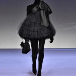 um ombro puffy vestidos de baile Desconto Chique preto mini vestidos de baile 2019 novo de um ombro cocktail dress com grande arco puffy tule curto formal vestidos de festa custom made