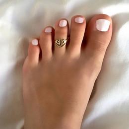 2019 пальцы для женщин оптом Геометрические Полые Кольца Лотоса Женщины Мода Лето Ювелирные Изделия Оптом Простой Золото Посеребренные Глянцевые Открытые Регулируемые Сплава Кольца Для Ног дешево пальцы для женщин оптом
