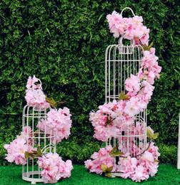 artificial suspensão glicínias flores brancas Desconto Flor de Cerejeira Videiras Branco Rosa Vermelha Flor De Seda Artificial Videira Wisteria Pendurado Na Parede do jardim de Casa e Decorações Do Casamento 177 cm