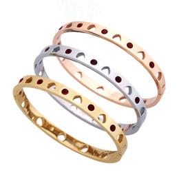 Mehrfarbige armbänder online-2019 Hochwertige Mode Pfirsich Herz Armband bunten Diamanten Armband t Marke Armreif Designer-Accessoires