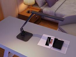 prateleira de pé Desconto Candeeiro de mesa de escritório Regulável Eye-Care LEVOU Desk Lamp15 W 5-Níveis E 4 tipo de Lâmpada de mesa de iluminação led com DC5V2A USB Porta De Carregamento
