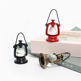 jouet de maison de poupée Promotion Échelle 1:12 Lampe à huile Dollhouse Miniature Jouet Poupée Alimentaire Cuisine Salon Accessoires Jouets pour enfants Cadeaux