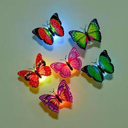 adesivos de parede para vestiários Desconto Colorido Mudando Borboleta LED Night Light Lamp Home Room Decor Mesa Decoração Da Parede Decorações home decor c861