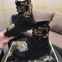 Stivaletti alti da uomo in pelle a reazione Reaction 2 Fashion Boot da donna Luxury Brand Designer scarpe casual con dimensioni della scatola 36-45 da stivali mens catena fornitori